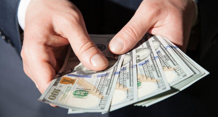 Leo Nonato: dólar do futuro segurando dólar
